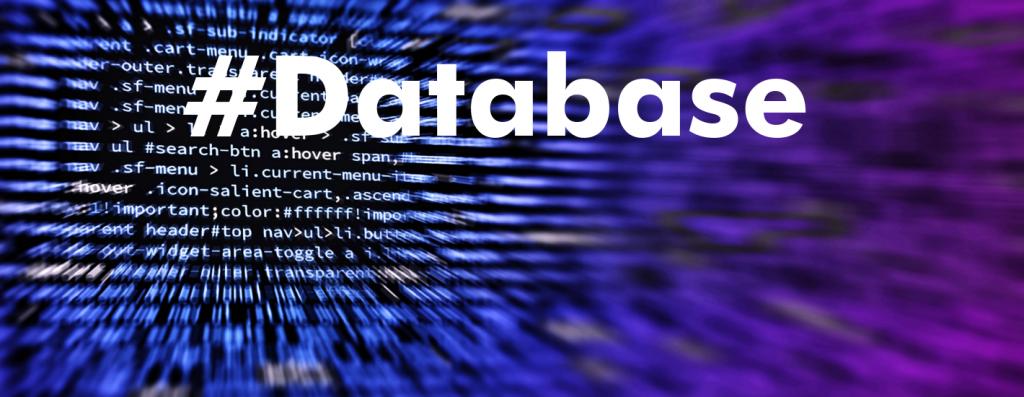 hashtag database sobre fondo digital morado